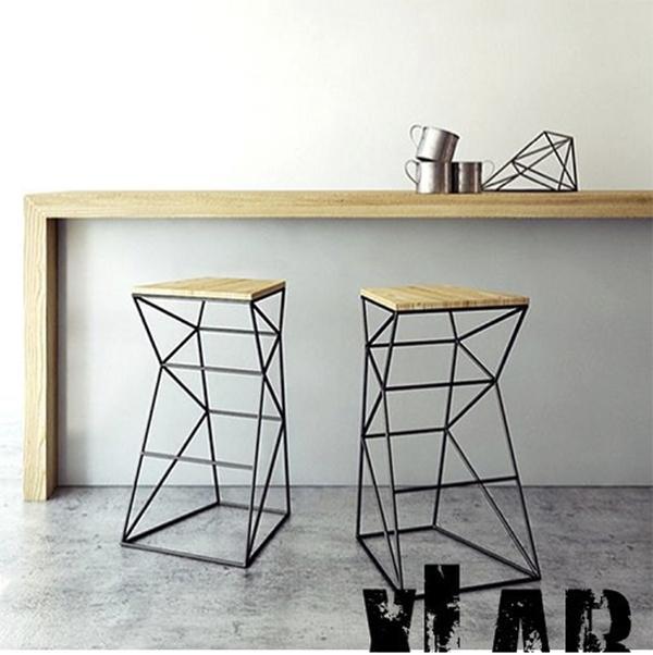 Arredi legno naturale: sgabello Xlab design