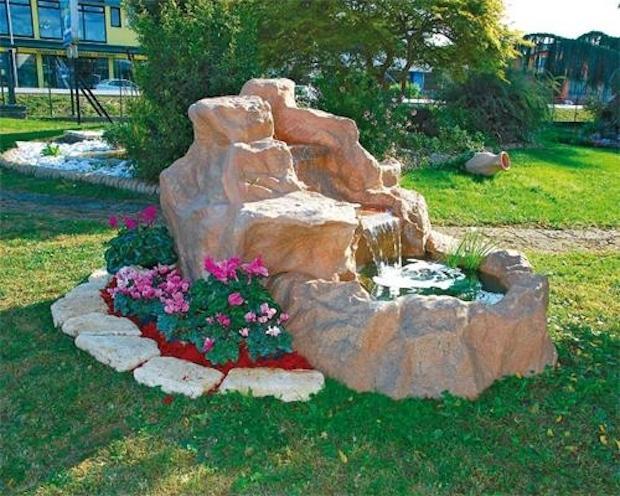 Laghetto da giardino con cascate, da Marcozzi Group