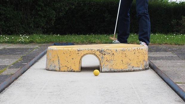 Consigli per la realizzazione di un'area minigolf in giardino