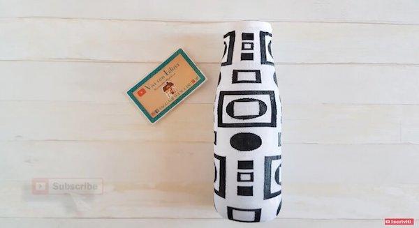 Barattolo di vetro decorato con calze di nylon e colla vinilica - Progetto e foto di Vivi con Letizia