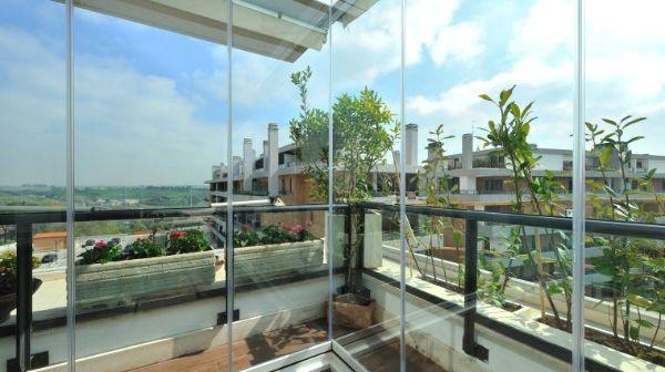 Veranda per balcone by Sunroom