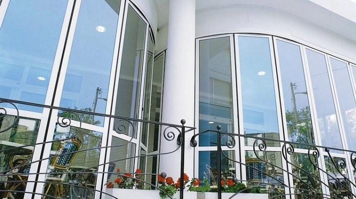 Verande curve per balconi - COAA Infissi