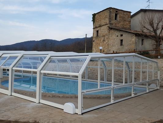Cocoon copertura telescopica per piscina di Alphacover