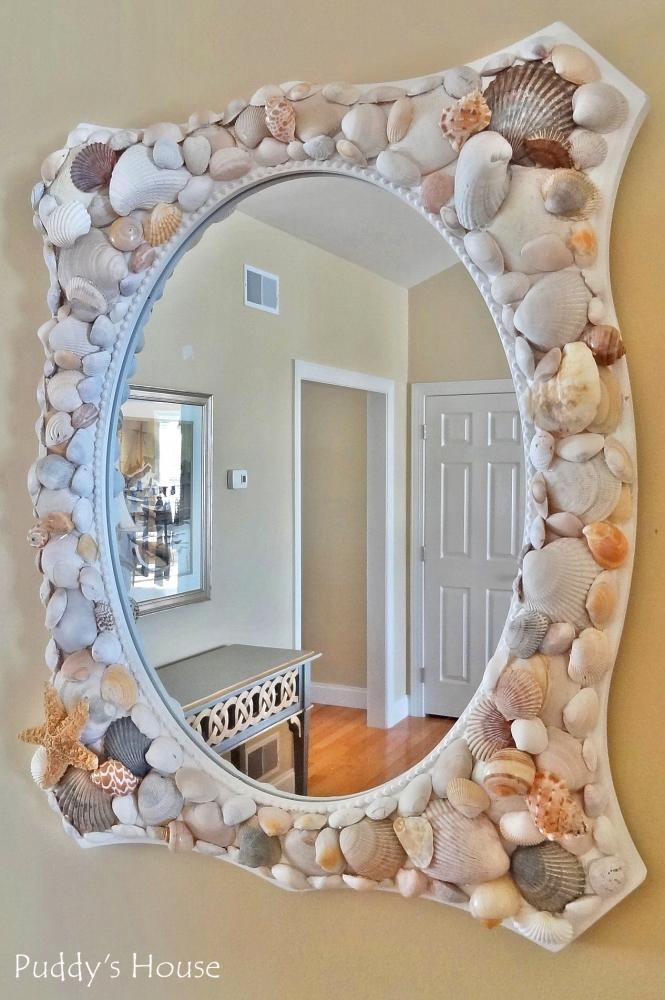 Decorazioni con conchiglie per lo specchio, da puddyshouse.com