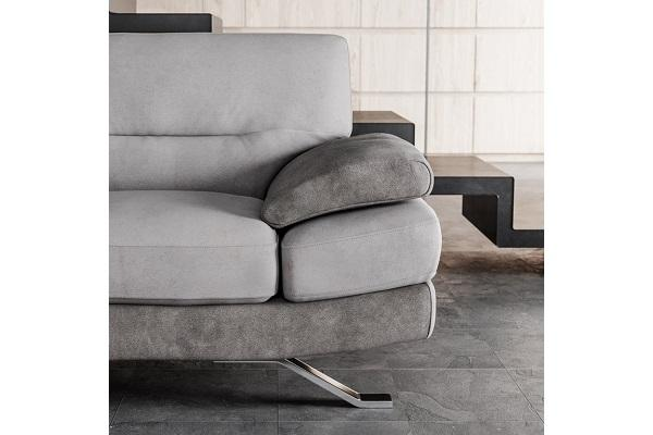 Dettaglio del divano Poltronesofa Venzone