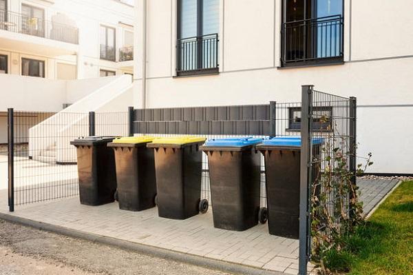 Bidoni in condominio e loro posizionamento