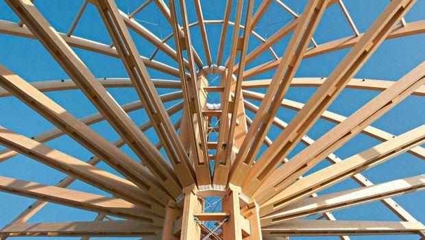 Il legno lamellare: caratteristiche, applicazioni e tecniche di produzione
