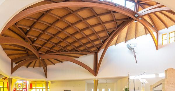 Struttura complessa e curvilinea di legno lamellare, by Costantini Legno