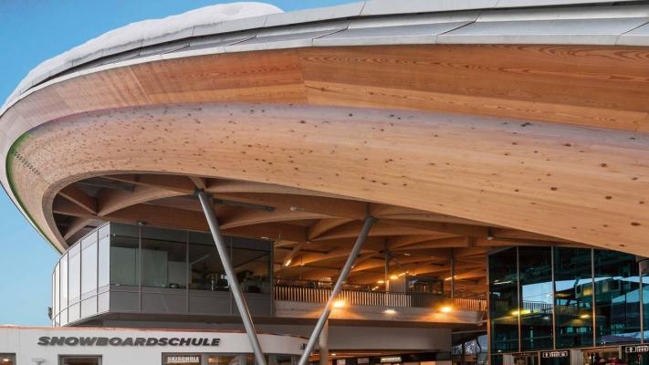 Enorme trave curva in legno lemellare, by Rubner Holzbau