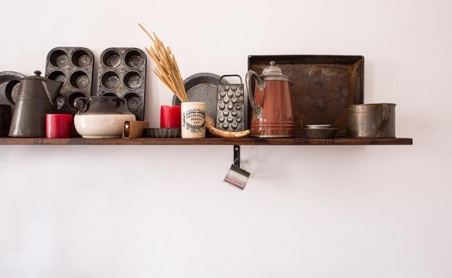 Mensole per sistemare utensili da cucina