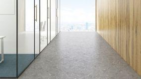 Pavimenti e rivestimenti in finto marmo: dal grés al vinilico