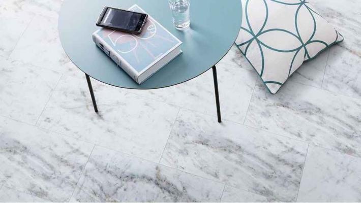 Pavimentazione in LVT effetto marmo Carrare - Design e foto by Gerflor