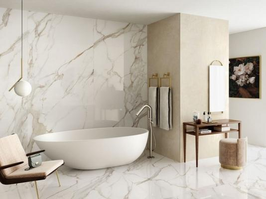 Rivestimento XLAB in gres porcellanato effetto marmo Calacatta Oro - Design e foto by Iperceramica