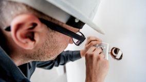 Strumenti e materiali per lavori elettrici fai da te