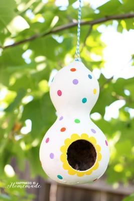Casetta per uccelli con zucca, da happinessishomemade.ne