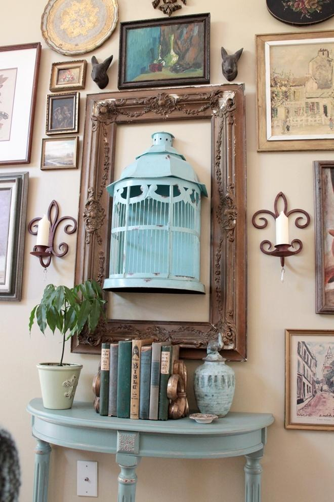 Riciclo gabbiette per uccellini: quadro, da southernhospitalityblog.com