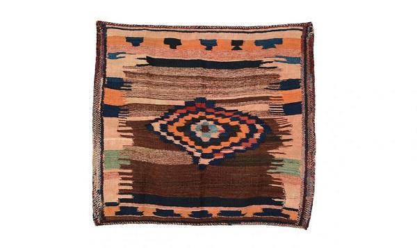 Il tappeto kilim antico di lana di Triff