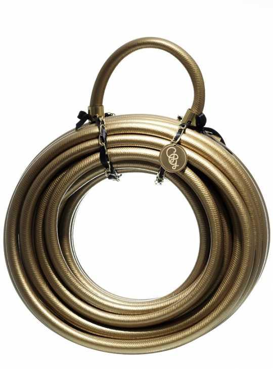 Il tubo di Garden Glory è tra gli oggetti da giardino alla moda