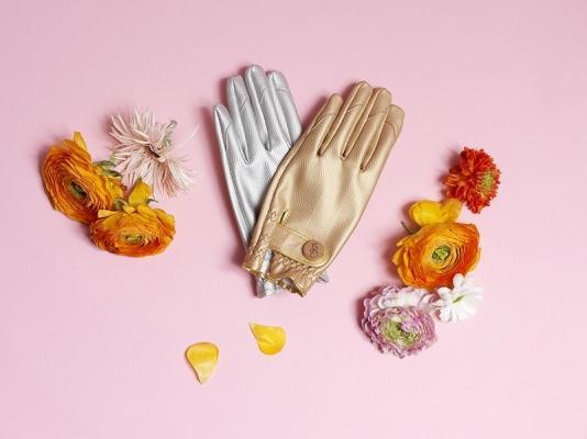 I guanti da giardino si ispirano alla moda