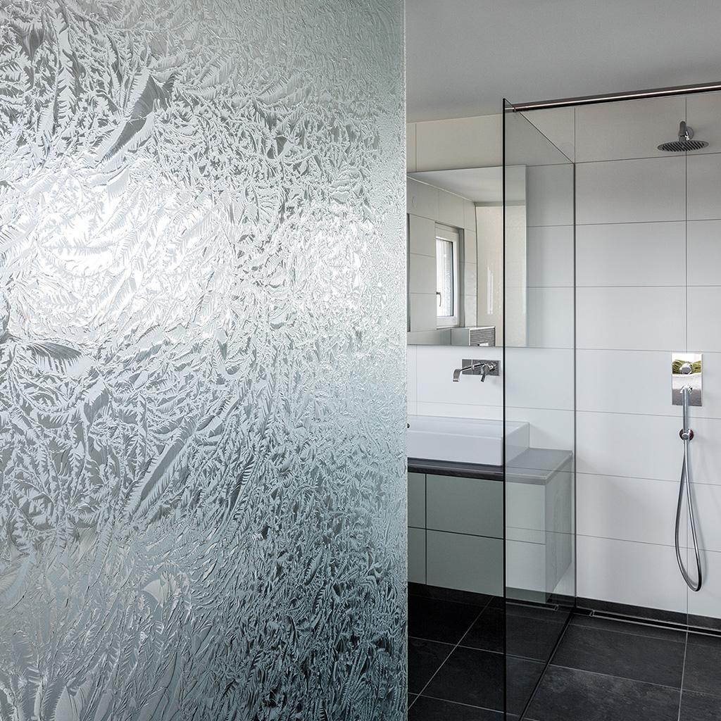 Pareti divisorie Ice H in vetro per bagni en suite - Glas Marte GmbH
