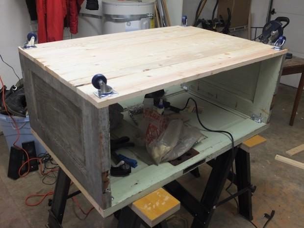Riciclo vecchie porte: tavolino da salotto, parte 2: da thissortaoldlife.com