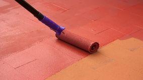 Rinnovare il pavimento con un nuovo colore