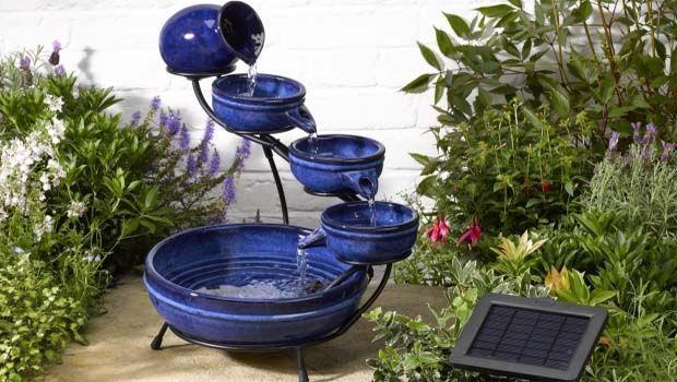 Decorare il giardino e rispettare l'ambiente con le fontane solari