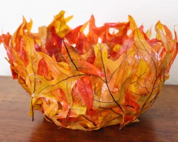 Riciclo creativo di foglie secche: portaoggetti, da madewithhappy.com