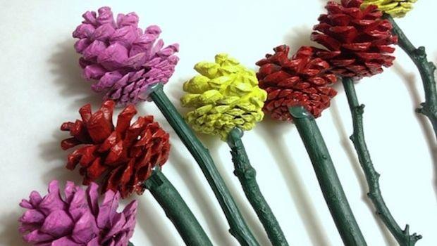 Decorazioni fai da te con le pigne colorate