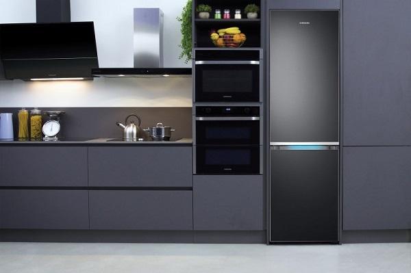 Frigorifero nero Kitchen Fit Samsung ambiente