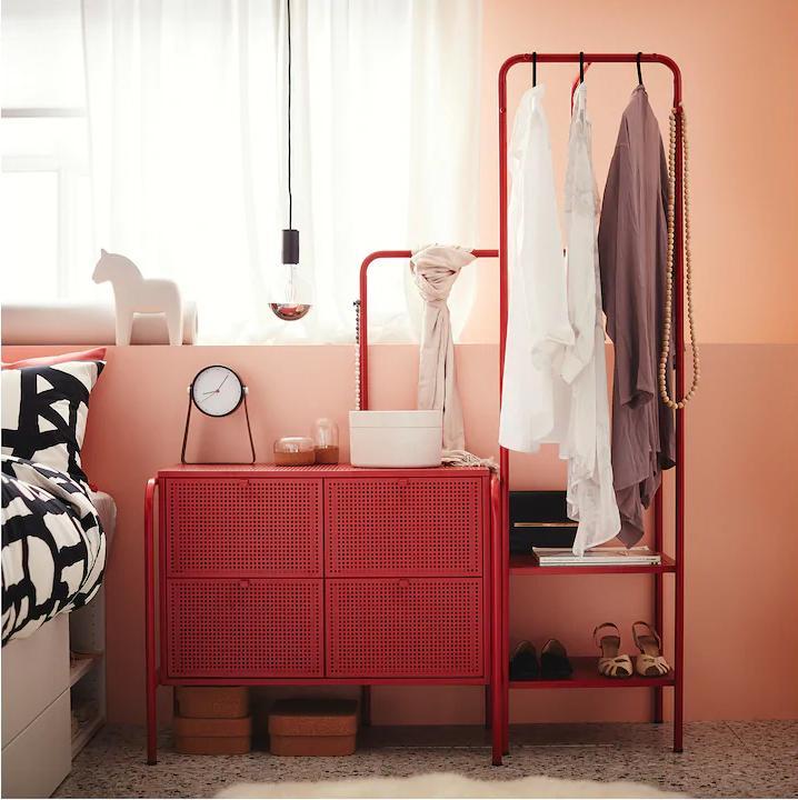 Ikea catalogo 2020  - cassettiera e stand appendiabiti Nikkeby