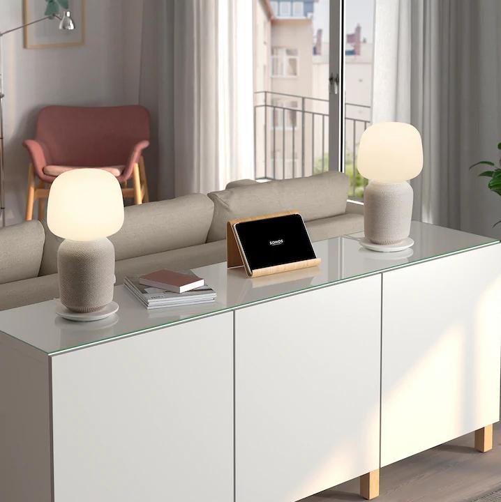 Ikea catalogo 2020  - lampada con cassa Wi-Fi Symfonisk