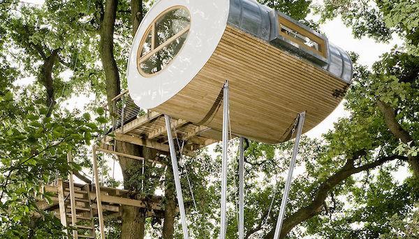 Casa sull'albero moderna Djuren - Progetto e foto by Studio Baumraum