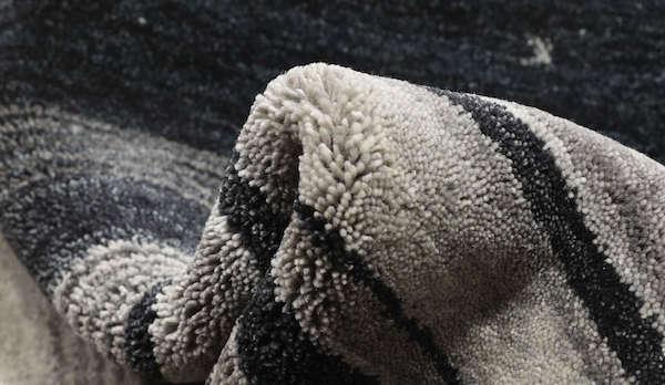 Tappeto orientale Gabbeh nero, bianco e grigio - Foto by RugVista