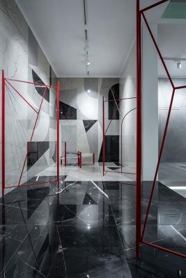 Rivestimenti e pavimenti effetto marmo scuro Fioranese