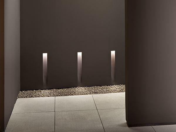 Segnapassi led design bagno vertical light small by Flos