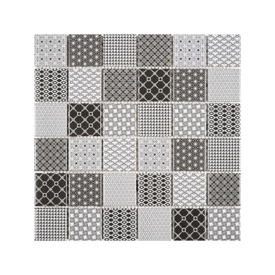 Mosaico di ceramica ispirato alle maioliche di Bati Orient