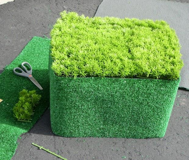 Riciclo creativo cassette di plastica: tavolino, parte 2, da pennywiseblog.blogspot.com