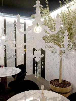 Lampadario in marmo Lumier, da Home Design by Franchi Umberto Marmi