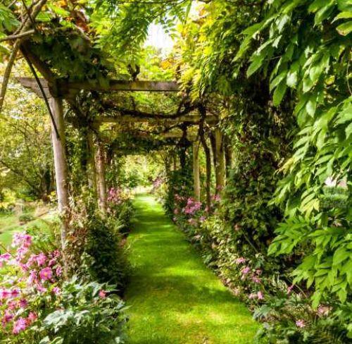 Vialetto in giardino e servitù di passaggio