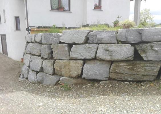 Muro contenimento curvo - Beole e Marmi Pelganta Giorgio