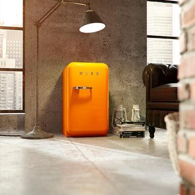 Pantone Orange Tiger - Smeg Frigorifero Fab28