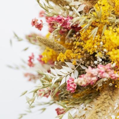 Composizione fiori secchi perenni di Colvin