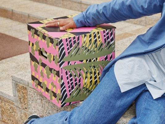 Cartone imballaggio Ombyte, motivi rosa e verdi - Design e foto by Ikea