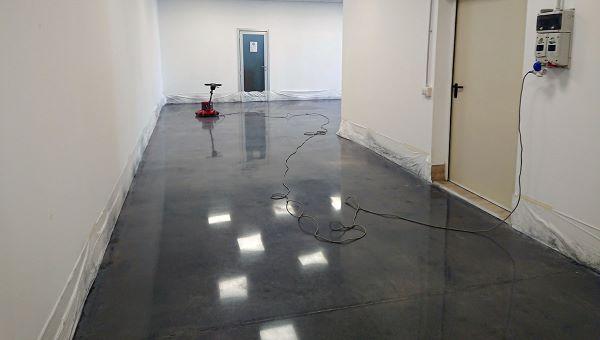 Levigatura pavimento cemento industriale - Floor Equipe