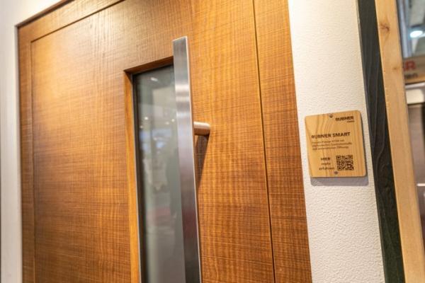 Le porte automatiche ci proiettano nell'universo delle smart home