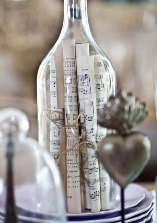 Spartiti musicali in bottiglia: centrotavola, da cedarhillfarmhouse.com