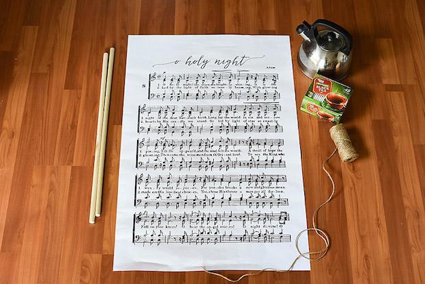 Decorazioni casa con spartiti musicali: poster, parte 1, da ourhandcraftedlife.com