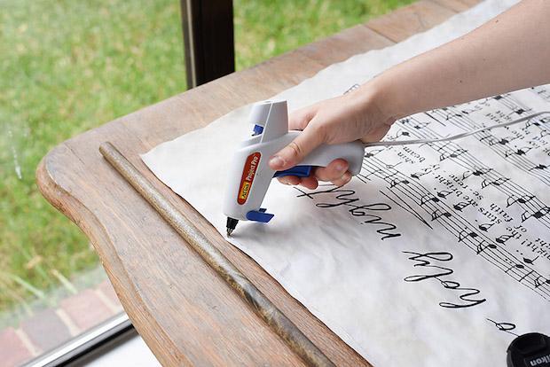 Decorazioni casa con spartiti musicali: poster, parte 3, da ourhandcraftedlife.com