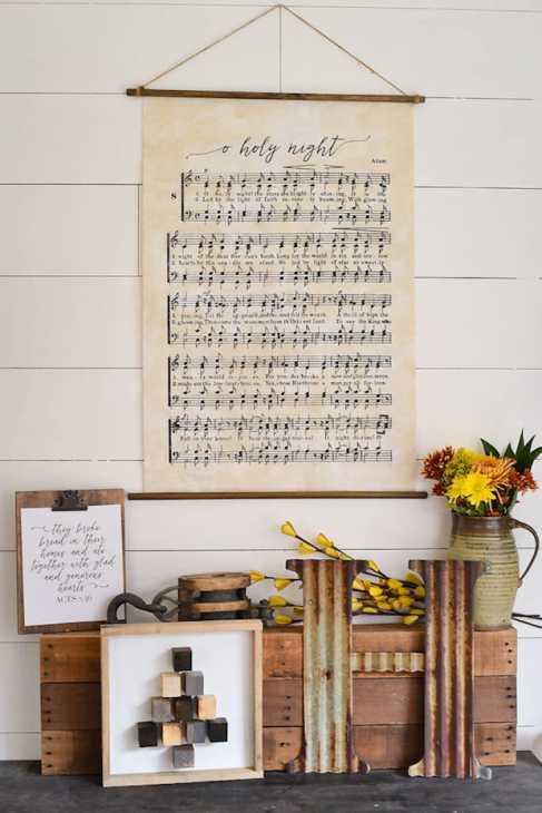 Decorare con la musica: poster, da ourhandcraftedlife.com